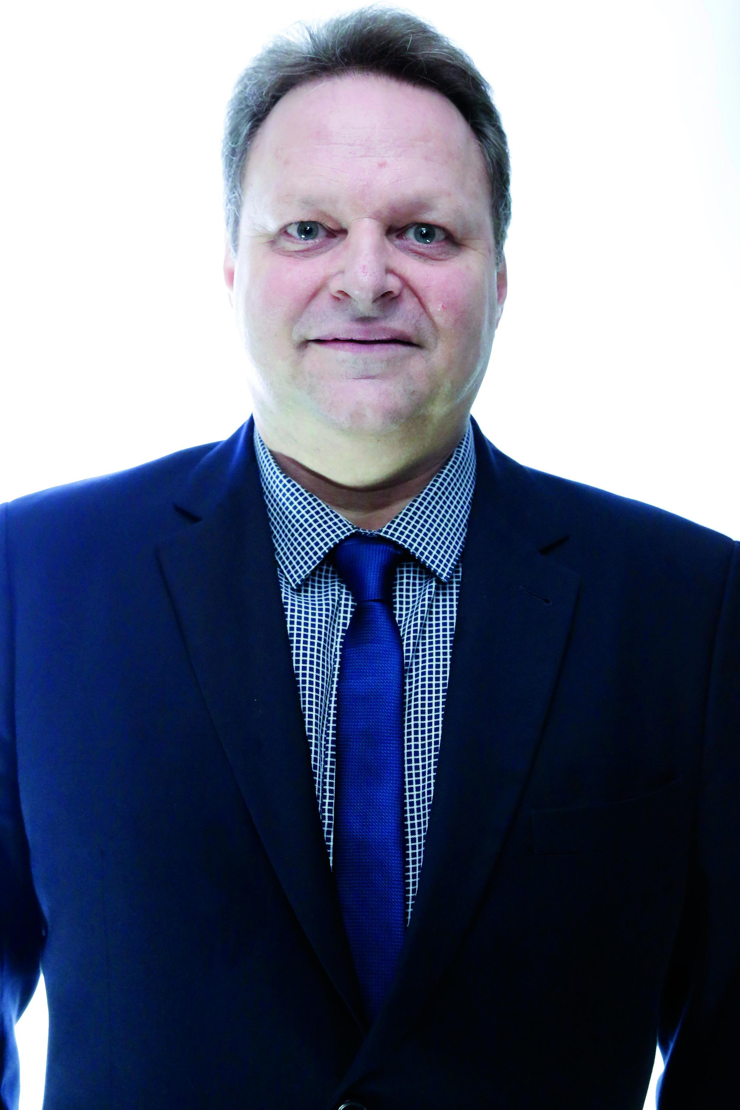 Dr. Júlio César Argentim